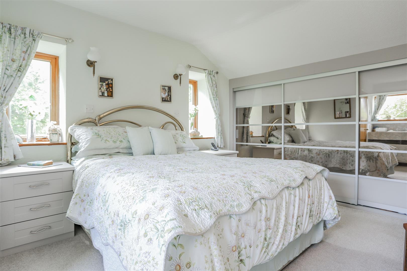 5 Bedroom Farmhouse For Sale - 22.JPG
